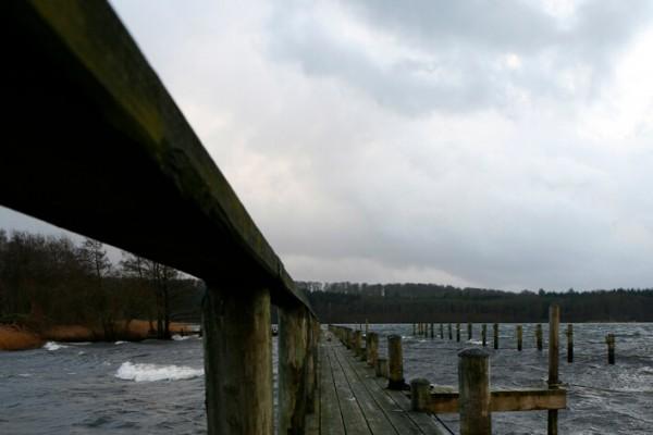 Bådbro og blæst af Niels Foltved